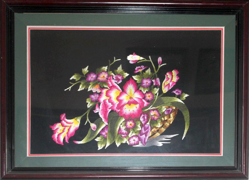 tranh thêu tay hoa phong lan